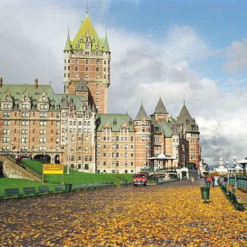 Chateaufrontenac-quebec-canada-rs