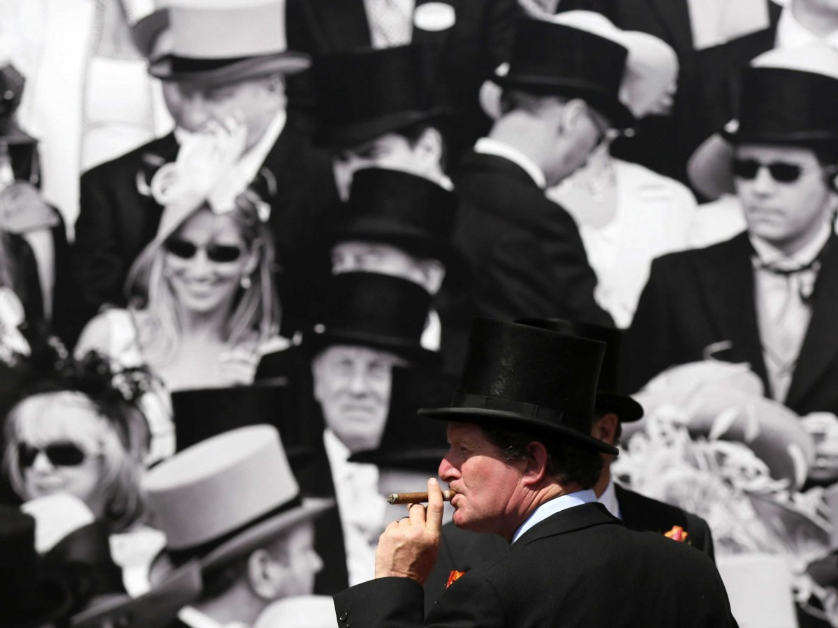 wealthy-rich-top-hat-cigar-royal-ascot-1